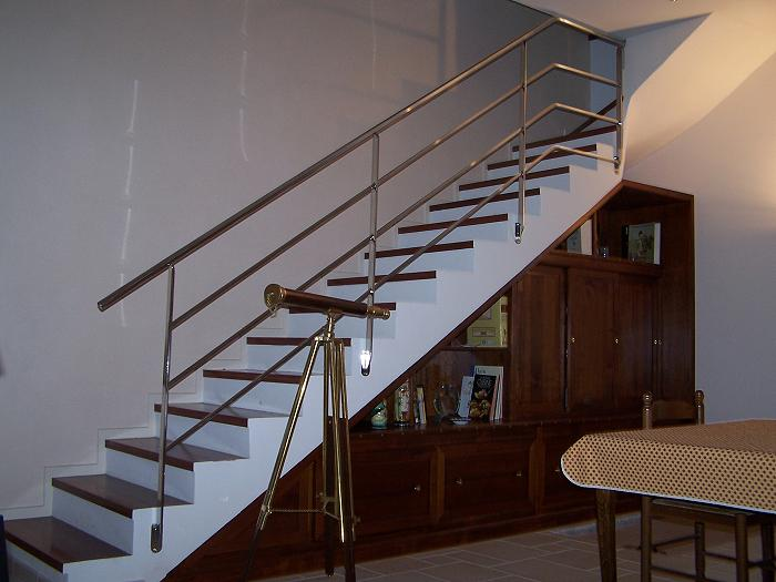 Mot cl mobilier rs inox for Rampe escalier moderne